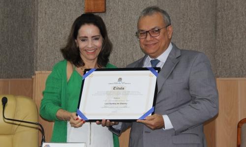 Câmara concede título de cidadania aracajuana ao empresário Levi Oliveira